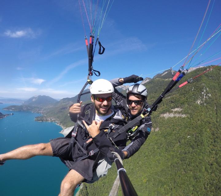 Paragliding flight the Sensational flight