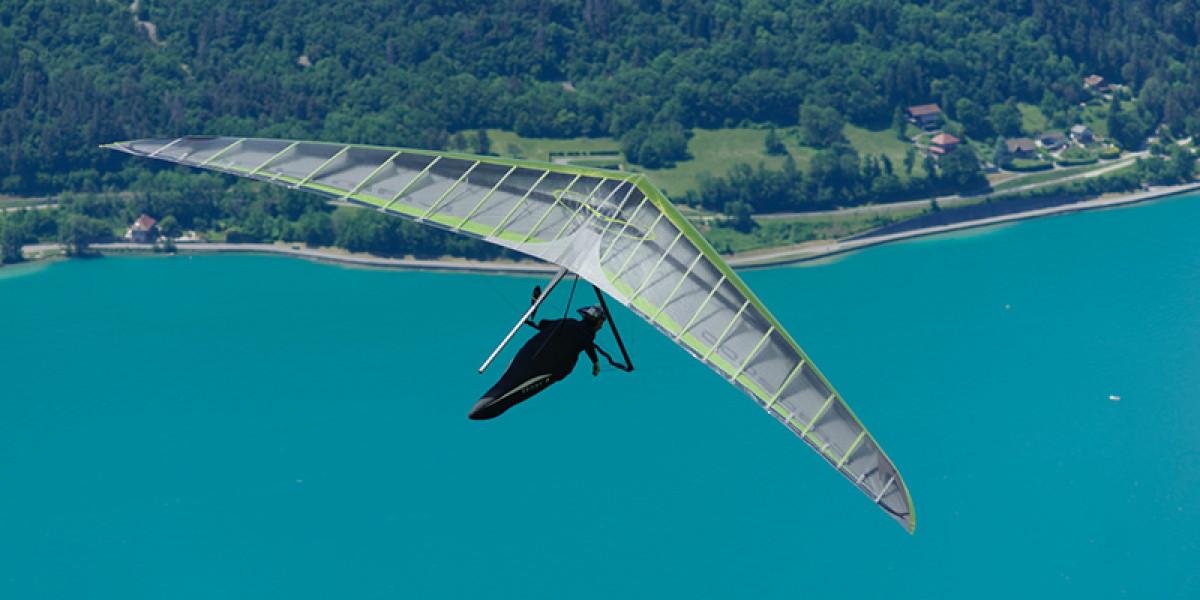 Quelle est la différence entre un parapente et un deltaplane ?